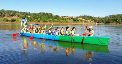 Alumnos de la escuela municipal de canotaje realizaron una bajada al río Paraná